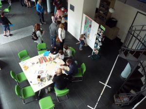 Kinderstadtplan-Präsentation im Rahmen der 8. Nacht der Kunst durch das Leipziger Kinderbüro im Informationszentrum des Magistralenmanagement Georg-Schumann-Strasse