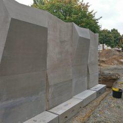 Errichtung der Kletterwand auf dem Renftplatz