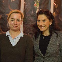 Talina Rinke vom Magistralenmanagement mit Gastgeberin Monika Maywald.