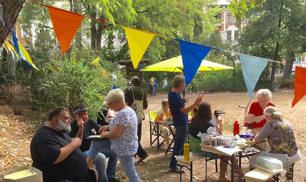"""Nachbarschaftspicknick im """"Dantepark"""" in Möckern. @Magistralenmanagement Georg-Schumann-Straße/Talina Rinke"""
