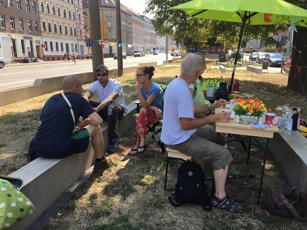 """Nachbarschaftspicknick auf dem """"Möckernschen Markt"""" @ Magistralenmanagement Georg-Schumann-Straße/Talina Rinke"""