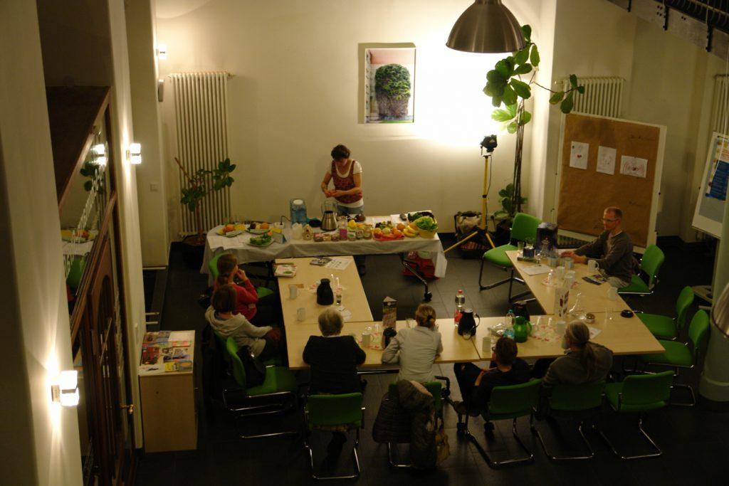 """""""Fröhlich und fit durch den Herbst!"""" Der Smoothie- Kurs mit Susanne Koppe im Infozentrum Georg-Schumann-Straße. @ Magistralenmanagement Georg-Schumann-Straße, Stephan Grandke"""